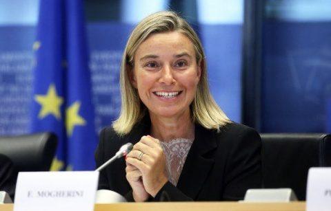 Mogherini ignoră natalitatea: Europa are nevoie de imigranți pentru economia ei