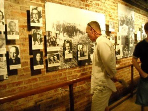 Grindeanu, întâlnire cu ambasadorul Hans Klemm: vrea urgentarea înființării Muzeului Holocaustului la București