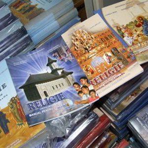 În timp ce în Austria elevii au în programa scolară două ore de religie săptămânal, în România experții o consideră prozelitism
