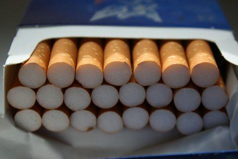 Reținută de poliția clujeană pentru că a furat câteva pachete de țigări