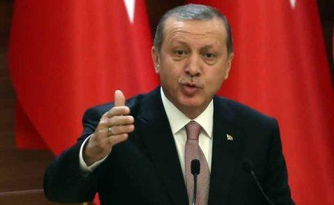 """Recep Erdogan o acuză pe Angela Merkel că susţine """"terorişti"""""""