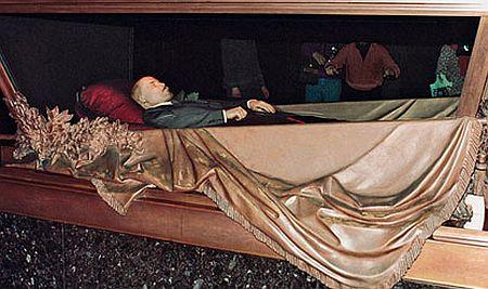 Duma Rusiei propune: Lenin să fie îngropat, iar mausoleul – demontat