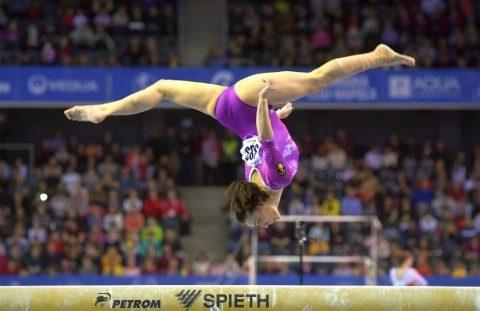 Catalina Ponor, noua campioană europeană la bârnă. A ascultat Imnul cu lacrimi în ochi