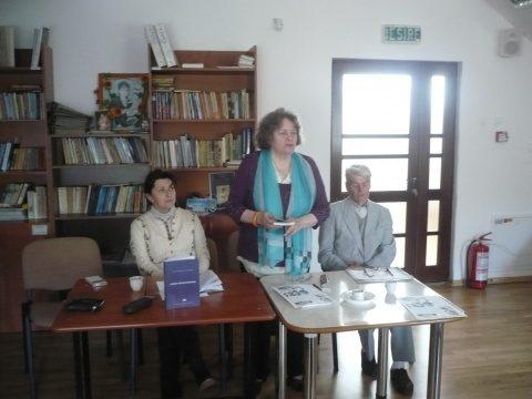 """La cenaclul """" Radu Stanca: Medalionul literar """" Contemporan cu Dumnezeu"""""""