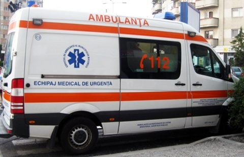 Femeie în vârstă de 30 de ani a fost rănită grav la semafor