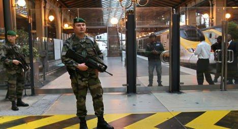Individ înarmat cu un cuţit, reţinut de poliţie la Gare du Nord din Paris