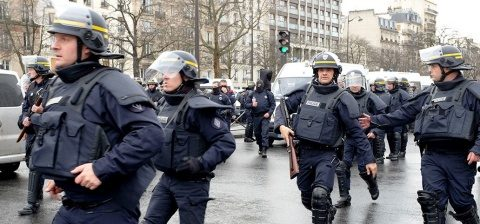 A strigat Allahu Akbar și a atacat mai mulți polițiști la granița dintre Spania și Maroc