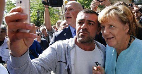 Angela Merkel cere Ungariei să pună în aplicare decizia instanţei privind distribuirea refugiaţilor