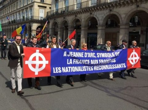 Naţionaliştii s-au reunit la Paris. Drapele româneşti la marşul Jeannei d'Arc