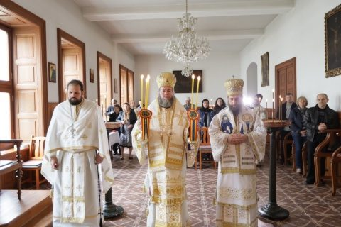 Liturghie la capela Aşezământului Românesc din Curţile Gojdu de la Budapesta