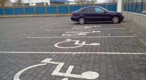 Poliția Locală Cluj-Napoca: Nu parcați pe locurile destinate persoanelor cu dizabilități!