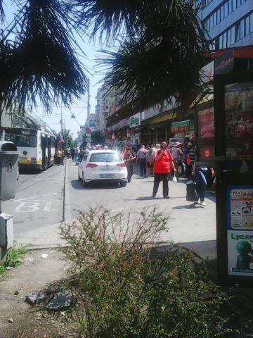 Poza Zilei: Parcare pe trotuar în Piața Mărăști