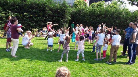 Poza Zilei: Copiii au dansat de Ziua Copilului în Iulius Park