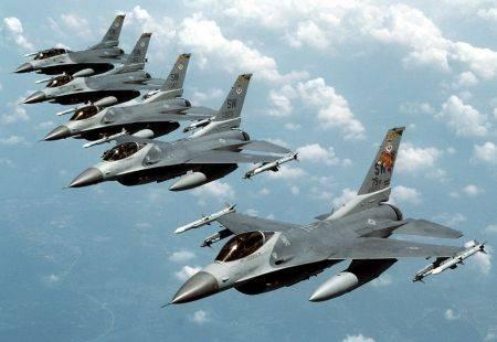 """Rusia: avioanele americane care zboară deasupra Sirei considerate """"ținte aeriene"""""""