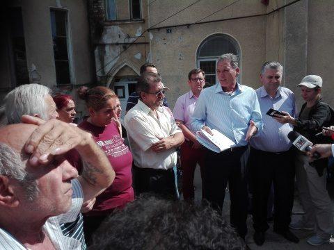 Peste 100 de persoane evacuate forțat dintr-un bloc din Cluj-Napoca