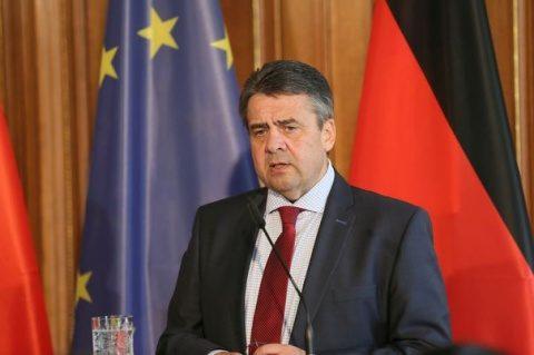 Ministrul german de Externe: Protestatarii violenţi de la Hamburg nu se deosebesc de neo-nazişti