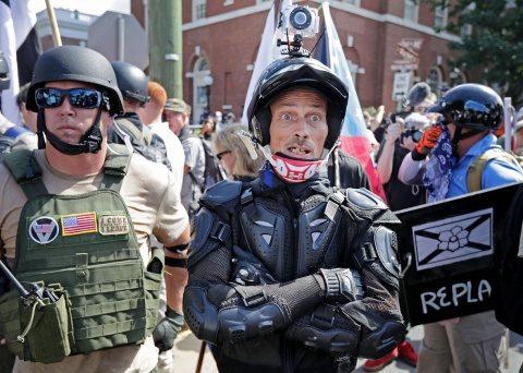 Contul de Twitter al adeptului suprematiei albe David Duke, fostul conducator al organizatiei americane de extrema dreapta Ku Klux Klan (KKK), a fost închis