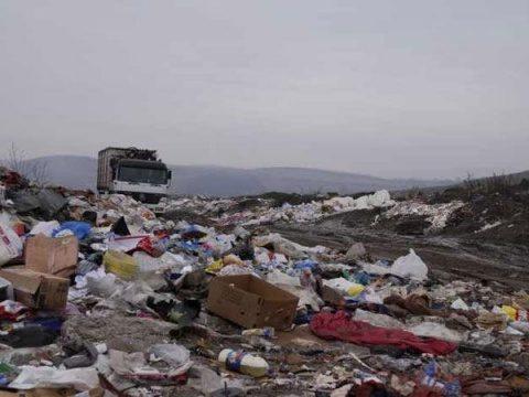Consiliul Judeţean Mureş a adoptat o hotărâre prin care au aprobat depozitarea cantităţii de 2000 de tone de deşeuri pe lună provenind din Cluj-Napoca