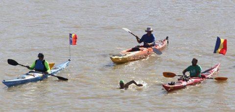 Avram Iancu a doborât recordul: A înotata 2860 de km pe Dunăre