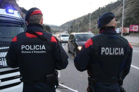 Madridul joacă dur. A preluat cu forța poliția locală din Catalonia