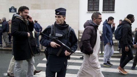 """Femei lovite cu ciocanul în Franța de un islamist ce scanda: """"Allah Akbar"""""""