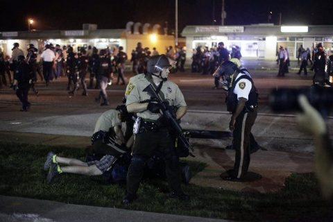 Violențe la St. Louis după achitarea unui polițist. Concert U2 anulat