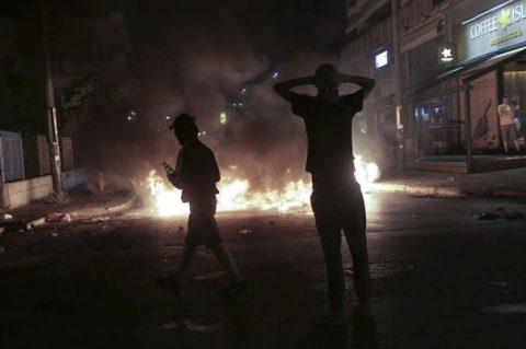 Violenţe la Atena şi Salonic. Confruntări între studenţi şi poliţie, la un marş de comemorare a revoltei din 1973