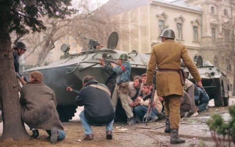 Revoluție în stradă, lovitură de stat în culisele puterii din decembrie 1989! 646x404-480x300