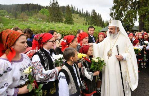 Părintele Patriarh Daniel despre activitatea filantropică a Bisericii implicată în 718 instituții și servicii sociale. În prezent se află în derulare 617 proiecte și programe sociale