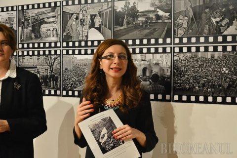 """""""Revoluţia în imagini"""": Fotografii inedite cu Oradea la Revoluţie-"""