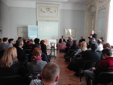 CARTE despre salvarea sistemului medical românesc lansată de Cristian Buşoi la Cluj-Napoca