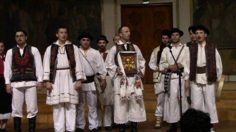 Sfinţirea căminelor studenţeşti de către preoţi cu tinerii din A.S.C.O.R. Cluj