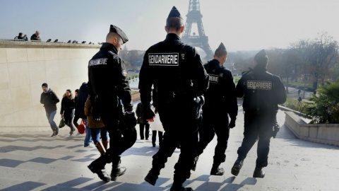 Un atac cu armă albă a avut loc la Paris