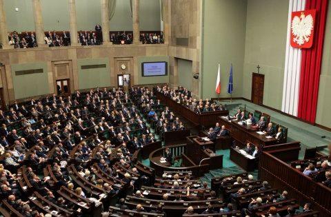 Polonia cere despăgubiri uriaşe de război de la Germania. Pe când şi România?