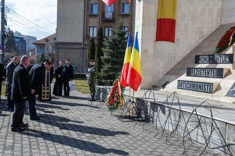 """Luptătorii anticomunişti omagiaţi de clujeni: """"Comunismul a încercat să rupă România de Europa şi lumea civilizată"""""""