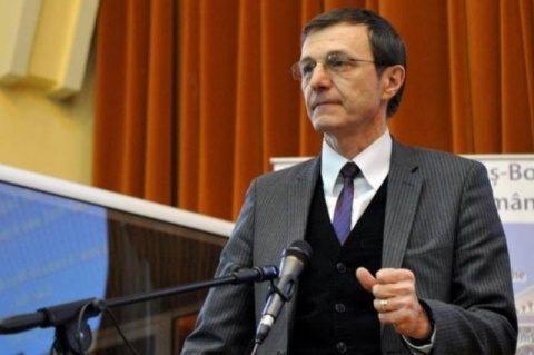 Ioan Aurel Pop păstrează şi mandatul de rector al UBB