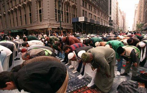 Musulmanii din Germania doresc piscine separate deoarece religia nu le permite