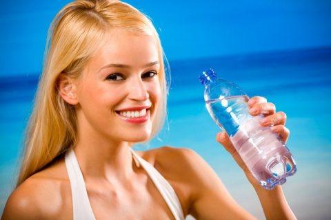 Bea apă multă și ai să slăbești!