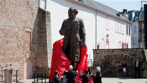 UERSS? Juncker omagiază pe Karl Marx, românii pe luptătoarea anticomunistă Doina Cornea