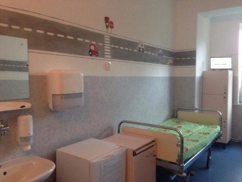 Saloane modernizate la Clinica de Pediatrie III din Cluj-Napoca