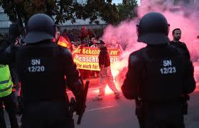 Poliția germană acuzată că protejează extrema dreaptă