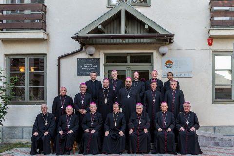 Episcopii catolici reafirmă susținerea proiectului de modificare a Constituției României