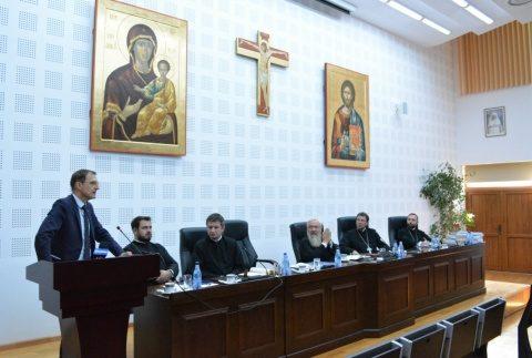 Președintele Academiei Române, Acad. Ioan-Aurel Pop a conferențiat pentru preoții clujeni