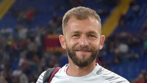 Bogdan Lobonţ, fostul portar al naţionalei de fotbal a României, va antrena echipa Universitatea Cluj