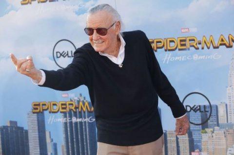 A murit Stan Lee. Celebrul scriitor de benzi desenate cu Omul Păianjen, fiu al unor emigranţi din România, avea 95 de ani