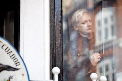 Ecuadorul îi cere fondatorului WikiLeaks să părăseacă ambasada sa din Londra. Preşedintele Moreno: Drumul este clar pentru domnul Assange