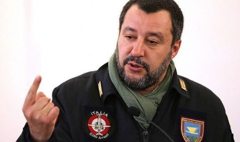 """Salvini: """"Europa ori se schimbă, ori nu mai are sens să existe"""""""