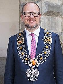 Mii de persoane au însoţit sicriul primarului din Gdansk, înjunghiat mortal la un eveniment caritabil