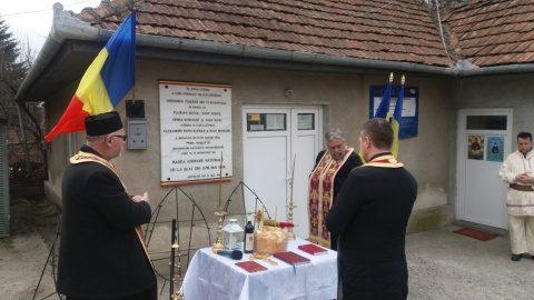 """Slujbă de pomenire pentru eroii revoluției pașoptiste, în Parohia """"Adormirea Maicii Domnului"""" din cartierul Mănăștur"""