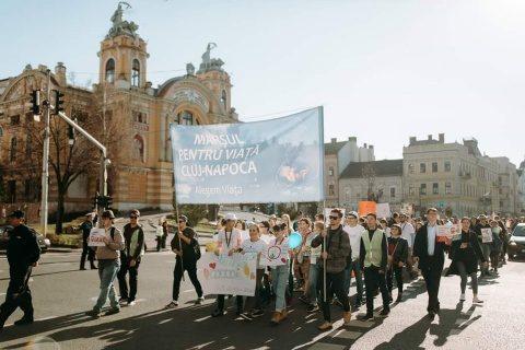 La marșul pentru viață organizat la Cluj-Napoca au participat aproximativ 1.500 de persoane